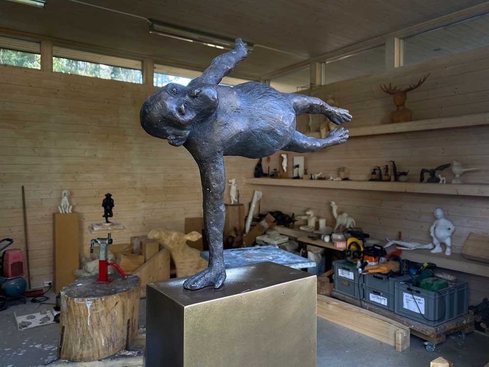 Skulptur på Petter Hepsøs atelier.